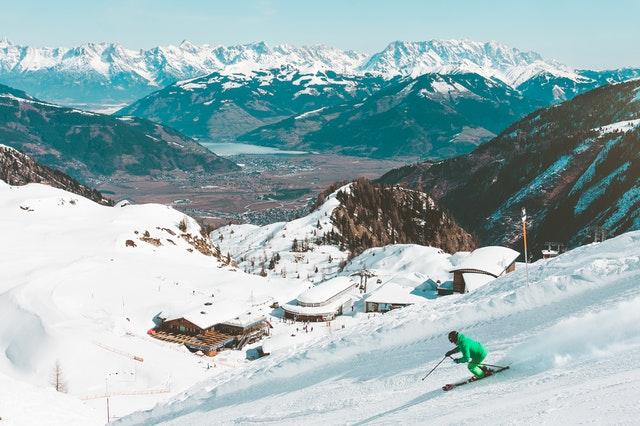 Narciarz-turysta – turystyka narciarska